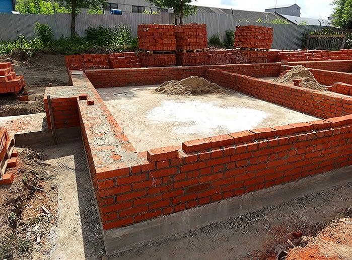 фундамент под кирпичный дом